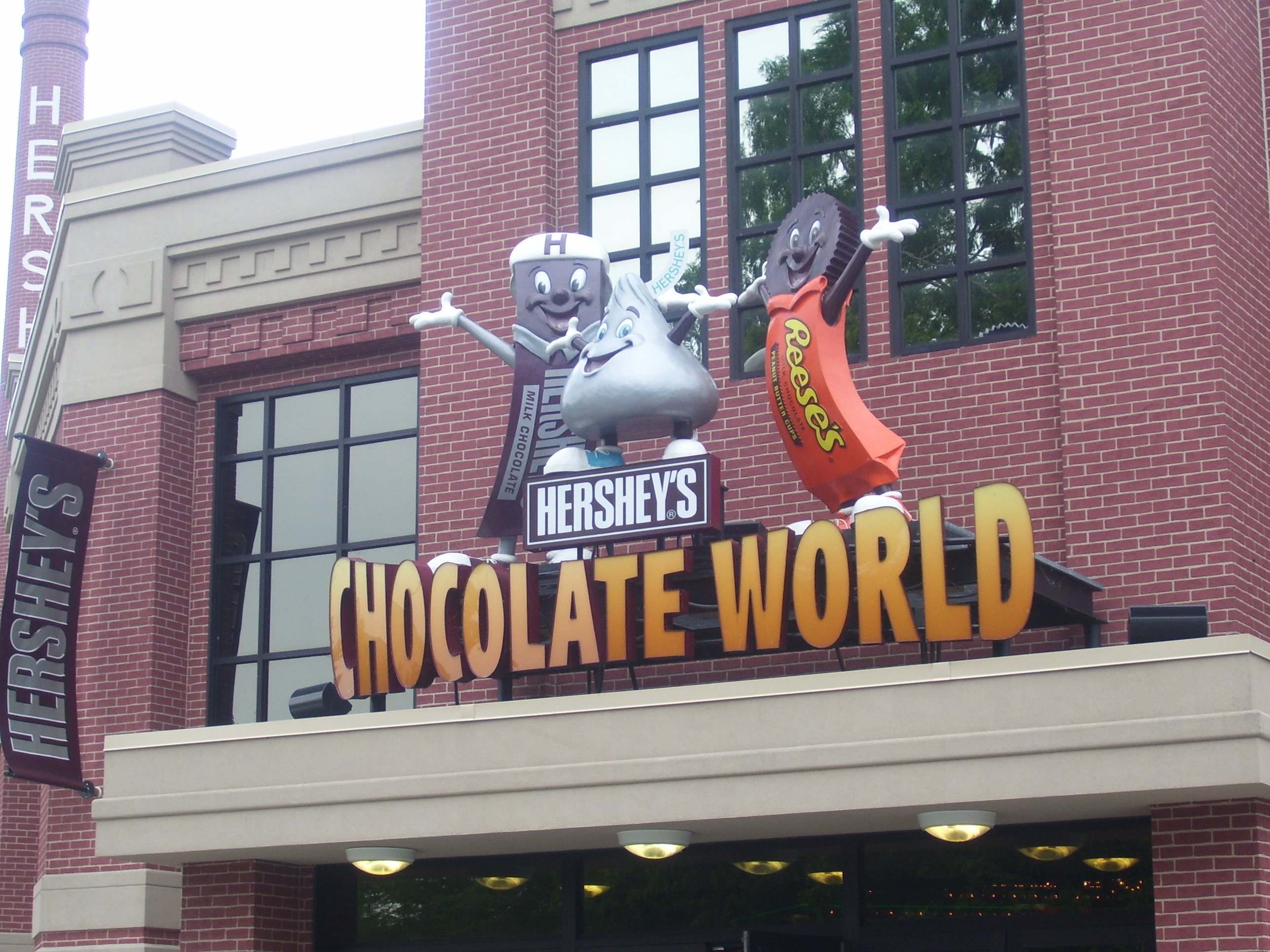 Need to know when the Hershey Story is open? Our operating hours change with the seasons so check our hours page before you arrive.